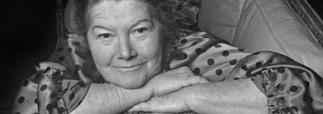 Умерла автор «Поющих в терновнике»