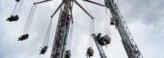 В Испании посетители аттракциона оказались заблокированы на высоте более 40 метров