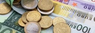 Курс евро удалось опустить ниже 76 рублей