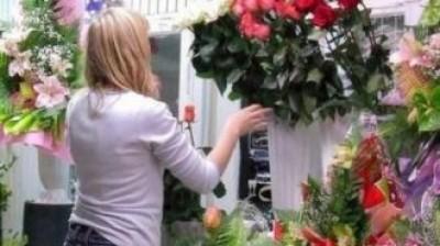 Молодой мужчина запер продавщицу в холодильнике