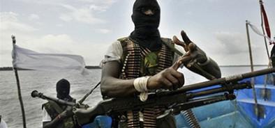Нигерийские пираты взяли в плен корабль, на борту которого есть российский моряк